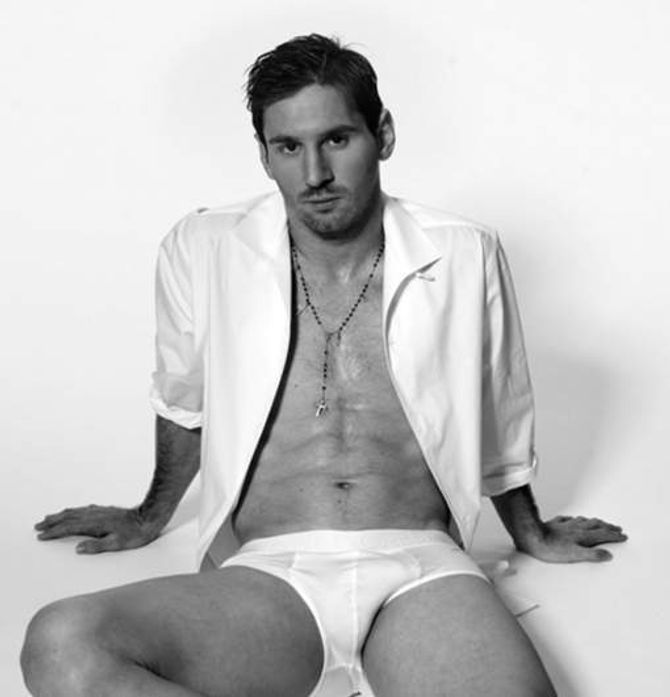 Lionel Messi, en chemise, mais surtout en slip