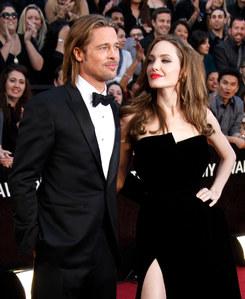Brad Pitt et Angelina Jolie, fiancés et amoureux comme jamais.