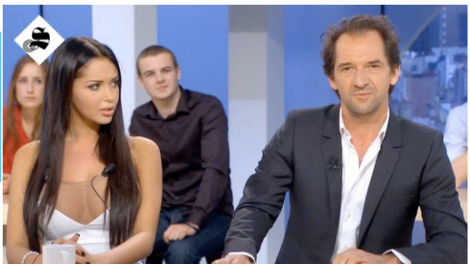 Nabilla demande une oreillette pour comprendre les blagues de Stéphane De Groodt