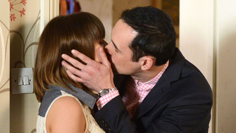 EastEnders 11/06 - Michael makes a move on Alice!