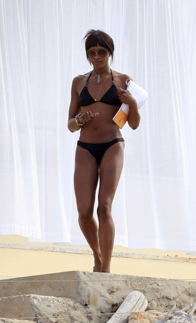Naomi Campbell à la plage