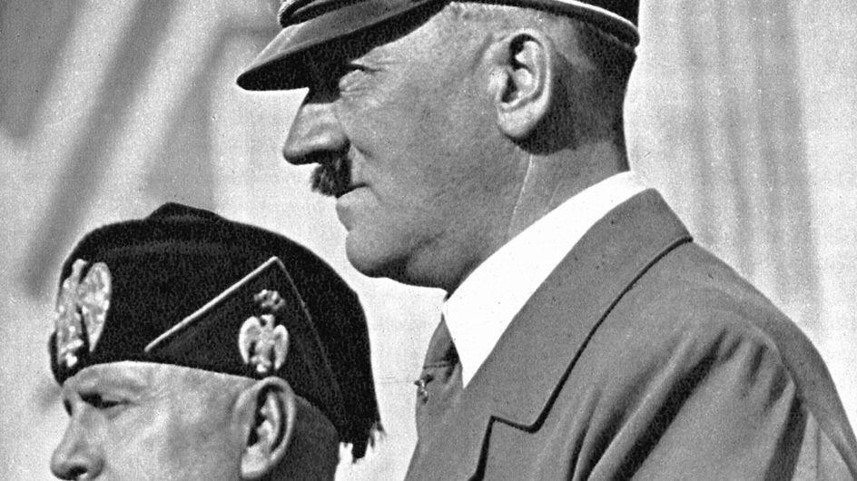 Condamné pour avoir donné des noms nazis à ses enfants, il se présente au tribunal en uniforme SS