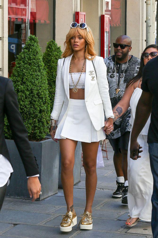 Rihanna dans les rues de Paris hier