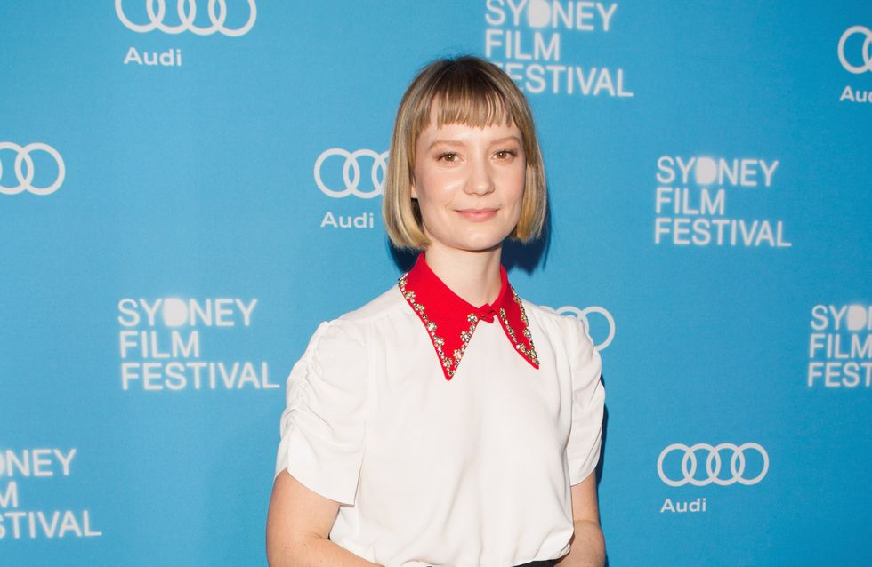Mia Wasikowska, le pire look de la semaine !