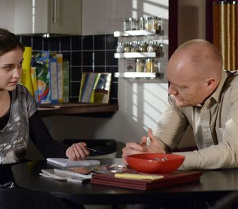 EastEnders 17/06 - Max struggles to face up to Lauren's problem