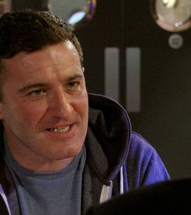 EastEnders 20/06 - Carl White arrives in the square