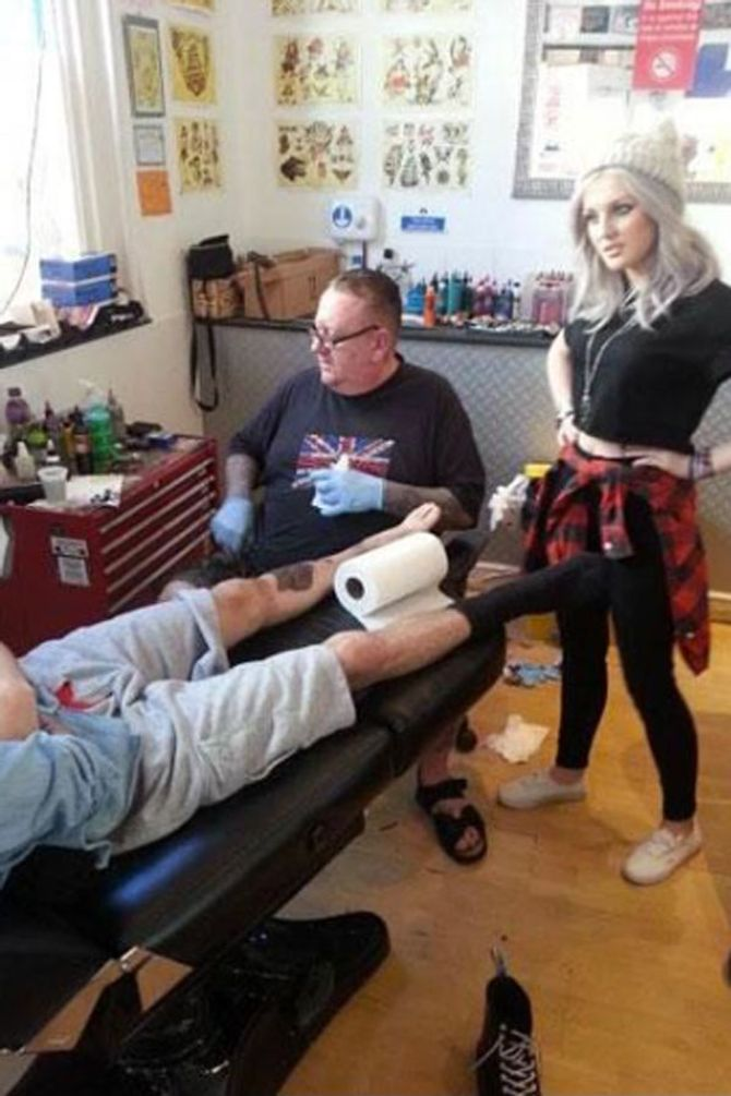 Zayn Malik and Perrie Edwards in the parlour