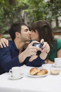 Australie : Payez votre café avec un baiser !