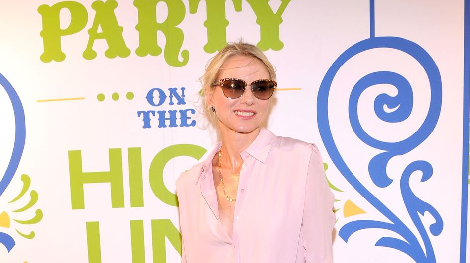 Naomi Watts : Copiez son look chic et décontracté