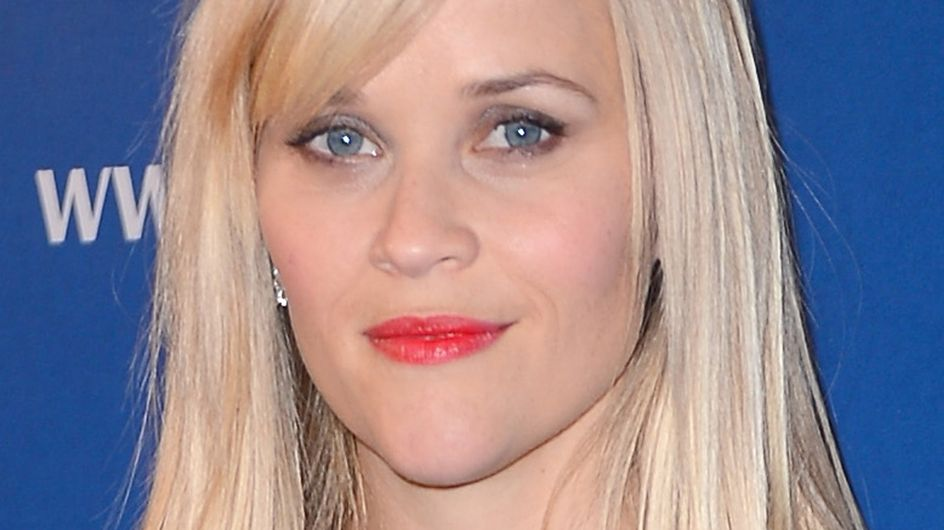 Reese Witherspoon : String+Jupe+Vent = Les fesses à l'air ! (Photos)