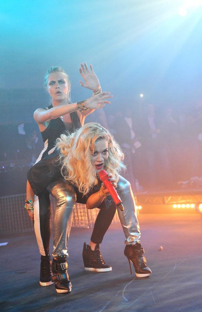 Rita Ora et Cara Delevingne