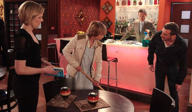 Gail's suspicious of Peter and Leanne