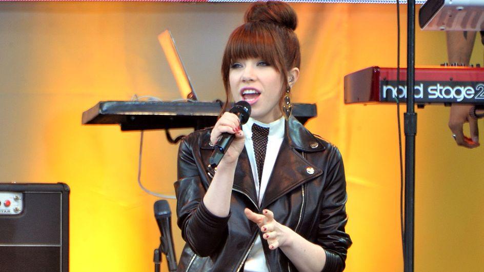 Carly Rae Jepson : Encore un look raté ! (Photos)