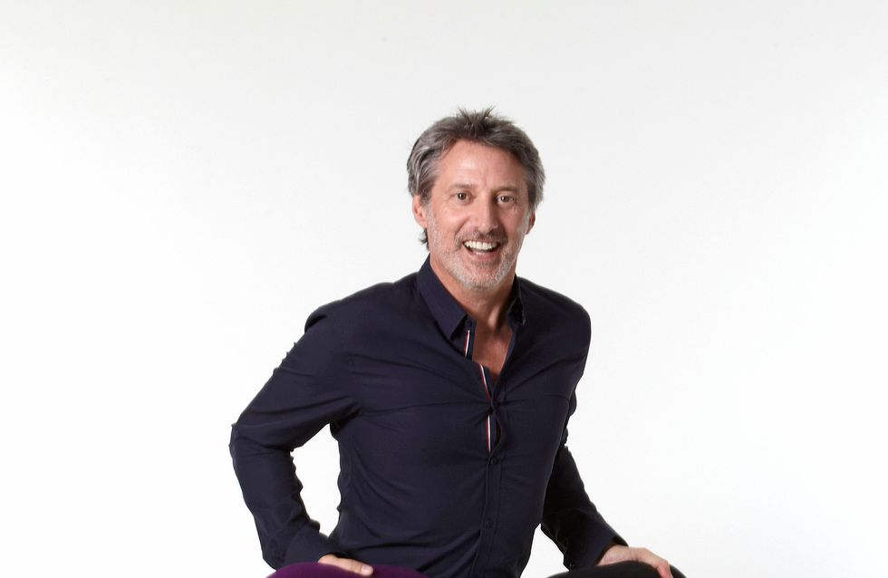 Antoine de Caunes remplace Michel Denisot à la tête du Grand Journal