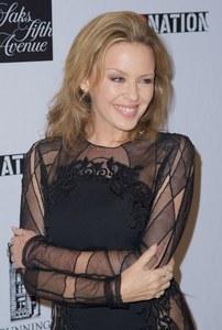 Kylie Minogue mantiene una feliz relación con su chico Andrés Velencoso