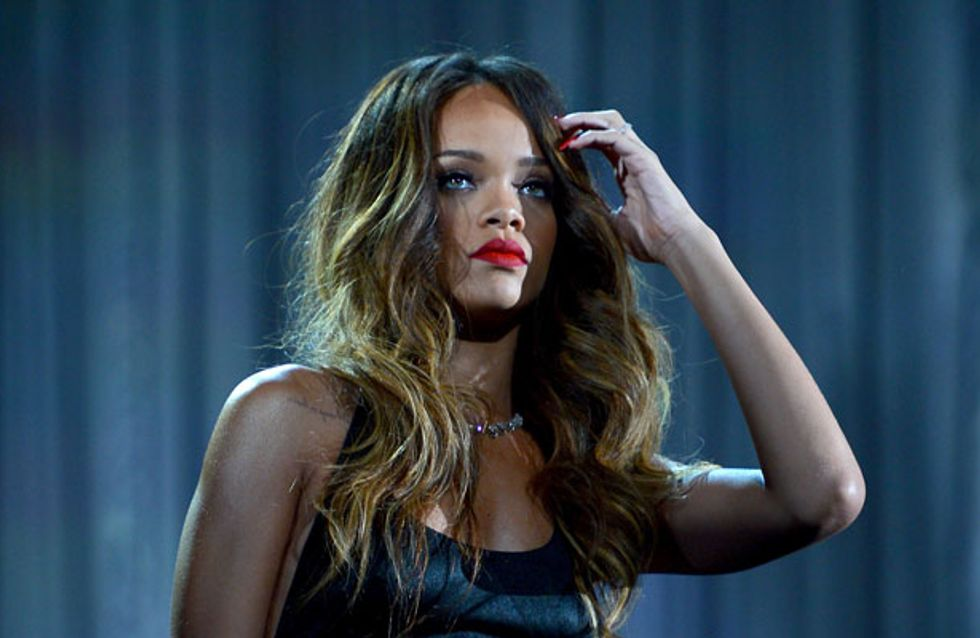 SHOCK VIDEO: Rihanna filmed hitting overeager fan with her microphone?