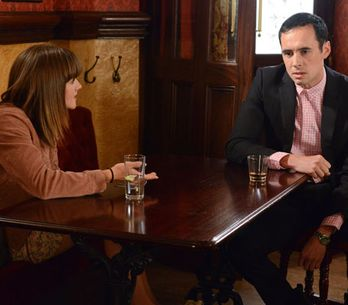 EastEnders 02/07 - Michael finds Janine and Scarlett