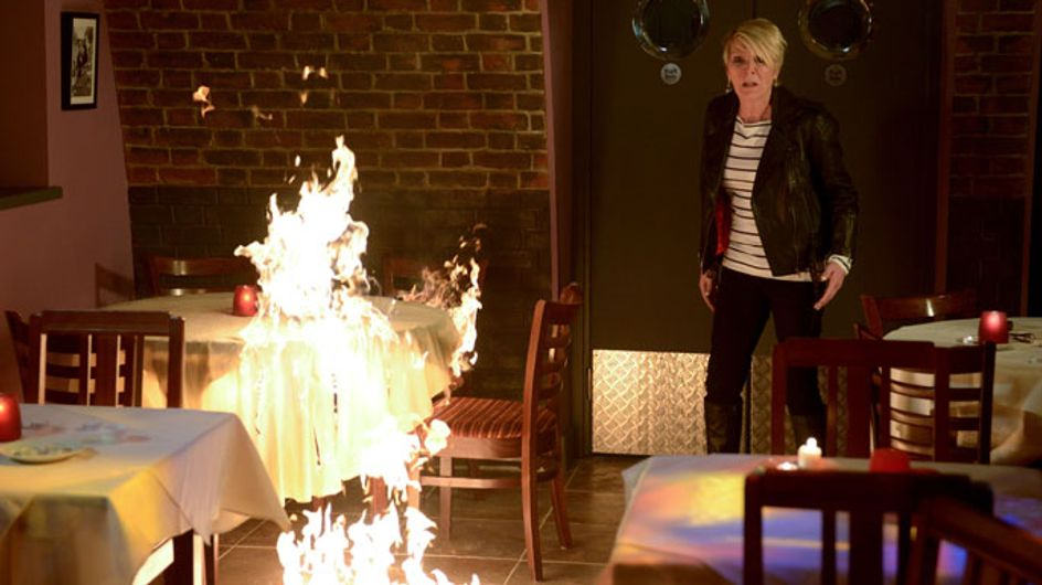 EastEnders 04/07 – Jean, Shirley and Bianca start a fire at Scarlett's