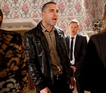 Hollyoaks 04/07 – Trevor pays the McQueens a visit