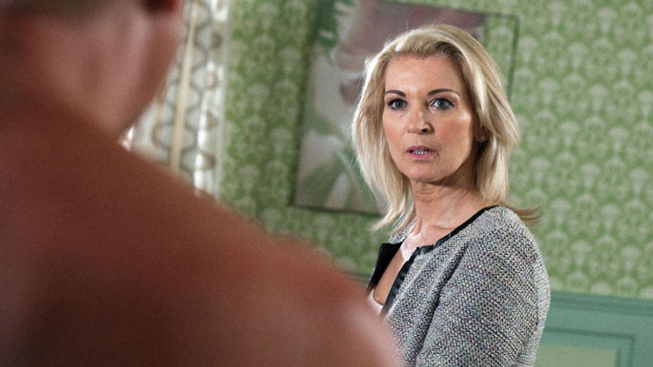 Hollyoaks 05/07 – Sandy meets an old friend