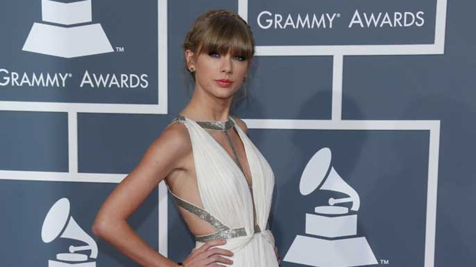 """Taylor Swift fans force Abercrombie to withdraw """"hurtful"""" T-shirt about singer's love life"""