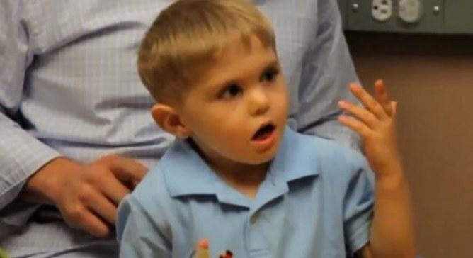 Santé : A trois ans, il entend pour la première fois