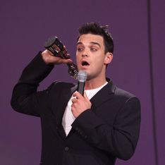 Robbie Williams : Je veillerai à ce que ma fille ait les meilleures drogues et j'en prendrai avec elle