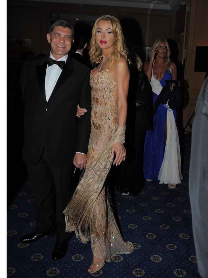 Valeria Marini con il marito Gianni Cottone