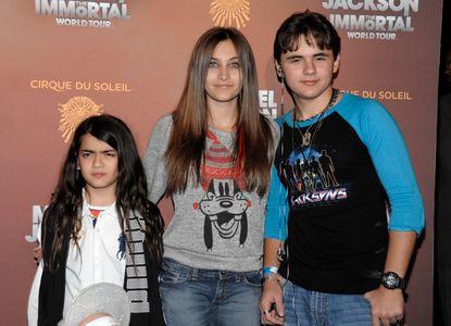 Paris Jackson junto a sus hermanos