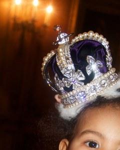 Blue Ivy avec sa couronne de princesse