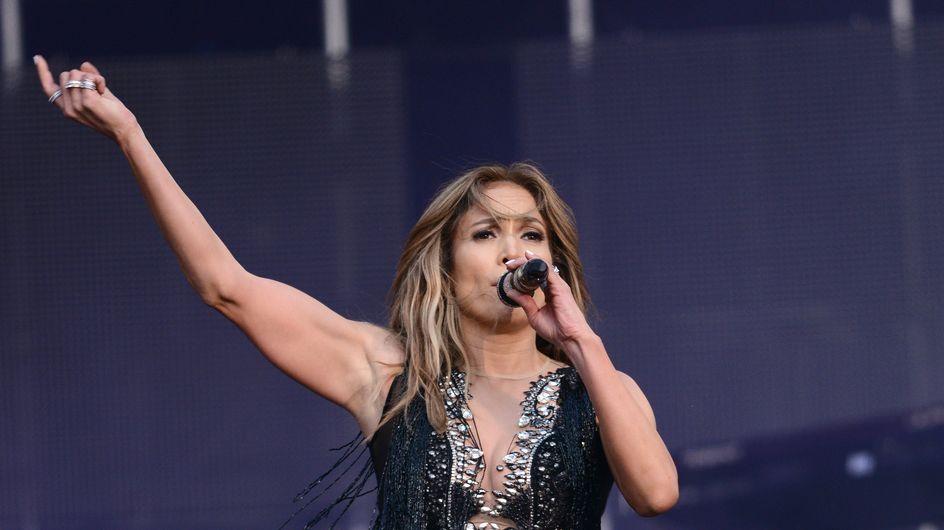 """Jennifer Lopez chante """"Happy birthday"""" au président dictateur du Turkménistan"""