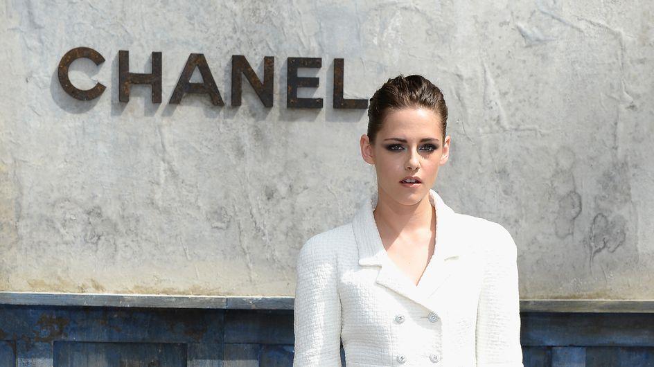Kristen Stewart : Déprimante au défilé Chanel (photos)