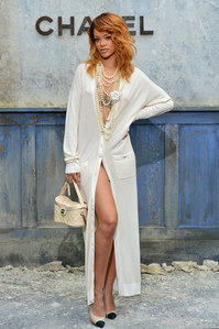 Rihanna : Sexy et chic au défilé Chanel