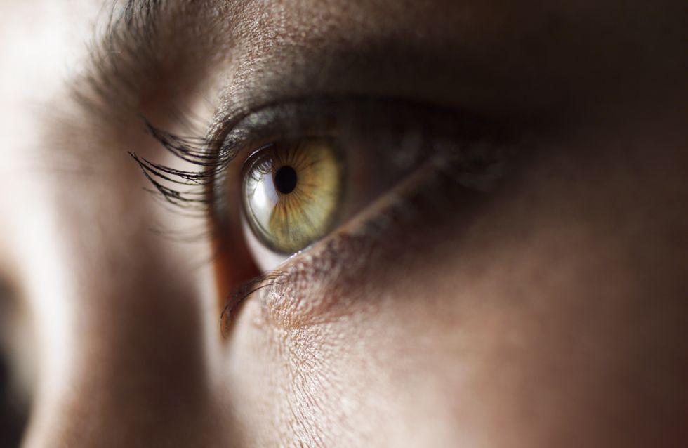 Oculolinctus : Se lécher le globe oculaire, nouvelle pratique érotique