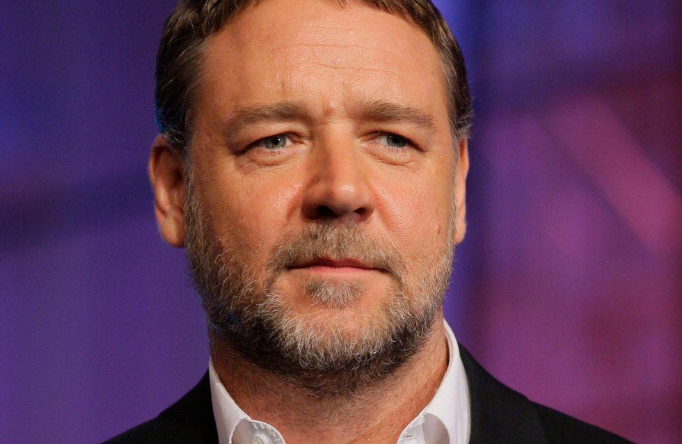 Peinlicher Patzer: Russell Crowe twittert nackte Frau