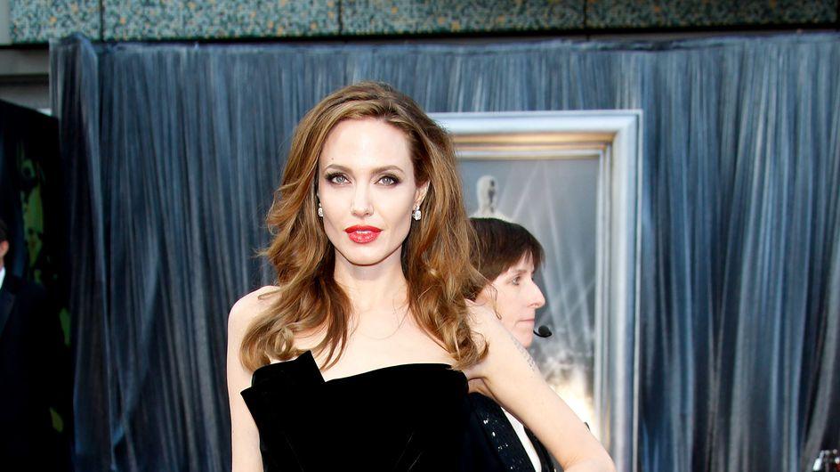 Angelina Jolie : Elles copient toutes sa jambe à l'air !
