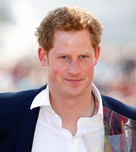 Prince Harry : Torse nu dans un bar gay (Photos)