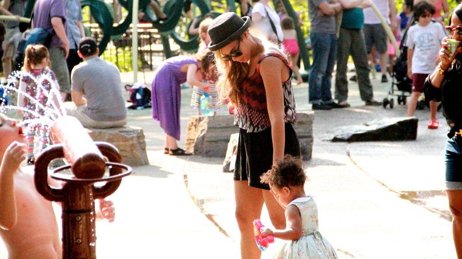 Beyoncé : Balade au parc avec Blue Ivy (Photos)