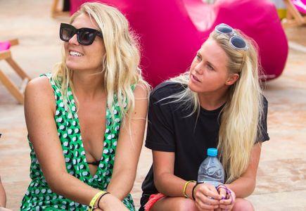 Stephanie Gilmore et Laura Enever (Australie)