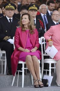 Valérie Trierweiler : Chic en rose bonbon pour le 14 juillet