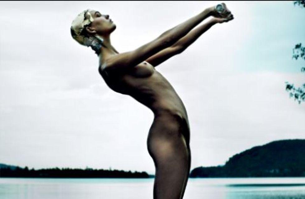 Karlie Kloss : Complètement nue, elle crée la polémique (Photos)