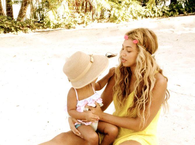 Beyoncé et Blue Ivy à la plage