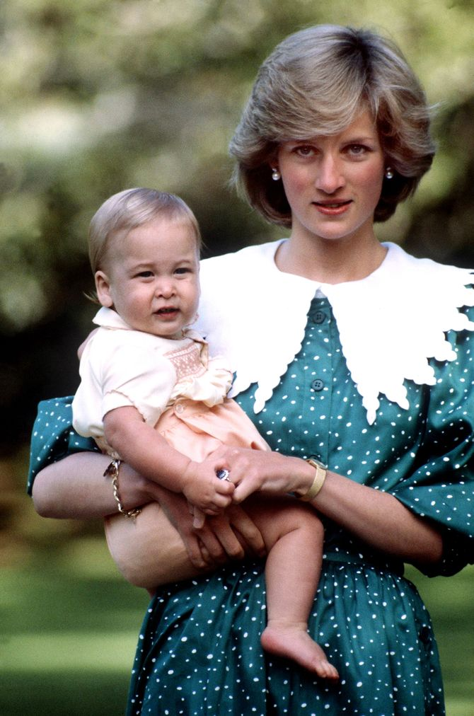Le prince William et sa mère Lady Diana en 1983