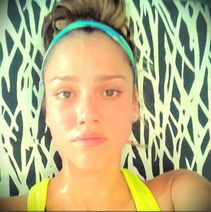 Jessica Alba lors de son défi sport