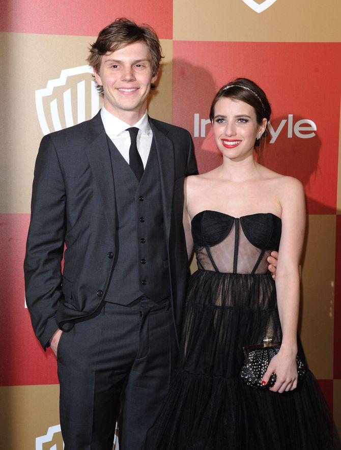 Emma Roberts y Evan Peters
