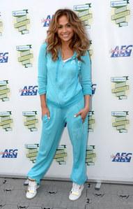 Jennifer Lopez en survêtement