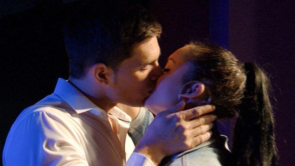 EastEnders 29/07 - Whitney kisses Joey