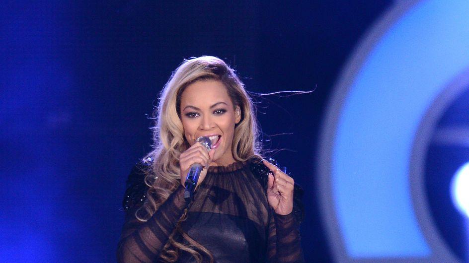 Beyoncé : Accident capillaire en plein concert (Vidéo)