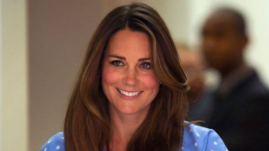 Kate Middleton leaves hospital in mock-up Diana dress by Jenny Packham