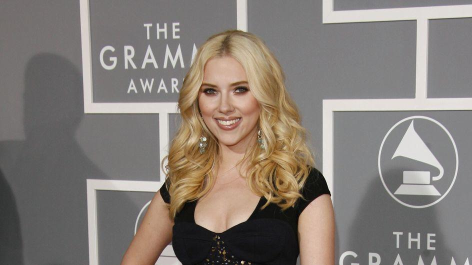 Scarlett Johansson à nouveau brune : Zoom sur ses changements capillaires